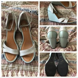 Seychelles blue and silver wedges
